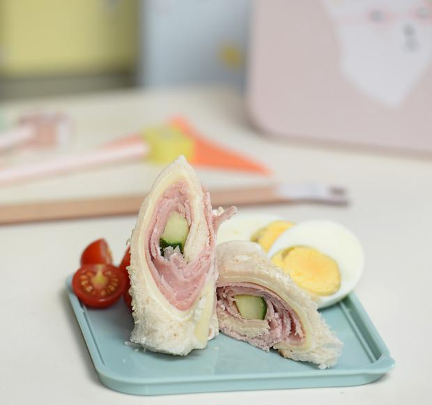 Mini Rolled Club Sandwiches are a great back to school recipe for fussy eaters