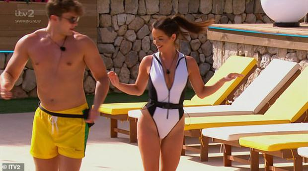 Love Island - Curtis Pritchard teaches Irish girl Maura Higgins to dance