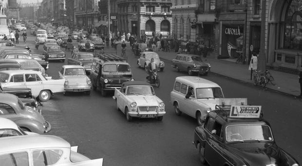 An image of O' Connell St during the bus Strike in 1962. (Part of the NPA and Independent Newspapers)