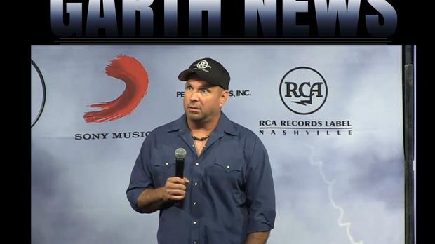 Garth Brooks makes an announcement after his comeback extravaganza was called off