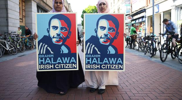 Nosayba (left) and Somaia Halawa, sisters of Ibrahim Halawa, in Dublin, where family members and supporters held an awareness day