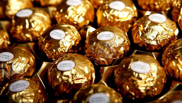 Fererro Rocher Chocolates, produced by Ferrero SpA, sit arranged for a photograph in London, U.K., on Monday, Dec.7, 2009. Hershey Co. and Nestle SA have been in contact about a possible bid for Cadbury Plc that may challenge an offer by Kraft Foods Inc.,
