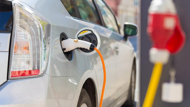 Electric cars require a strong charging network. (stock image)