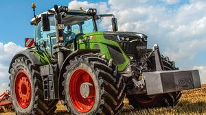 Tractor manufacturers such as Fendt hve put a brake on production as demand across Europe cools