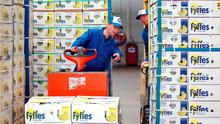Influential proxy adviser ISS has urged Chiquita shareholders to reject the groups attempt to buy Fyffes.