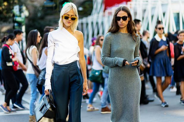 Models wearing clothes from Zara's 2017 fashion line