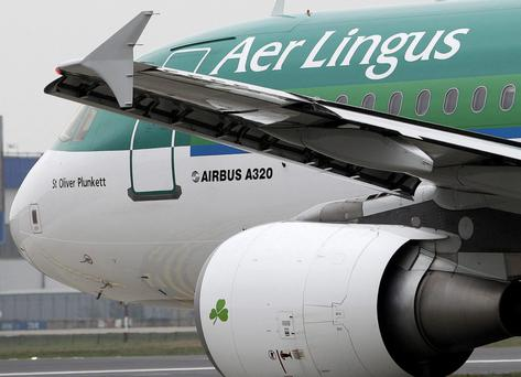 An Aer Lingus flight was forced to turn back to Dublin Airport after reports of fumes in the cockpit.