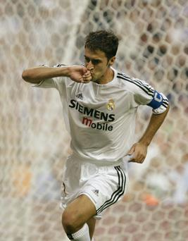 REAL MADRID'S RAUL CELEBRATES SCORING DURING SPANISH FIRST DIVISION MATCH IN MADRID...Real Madrid's Raul Gonzalez celebrates after scoring his second goal against Valladolid during their Spanish first division match in Madrid September 13, 2003. REUTERS/Paul Hanna...S