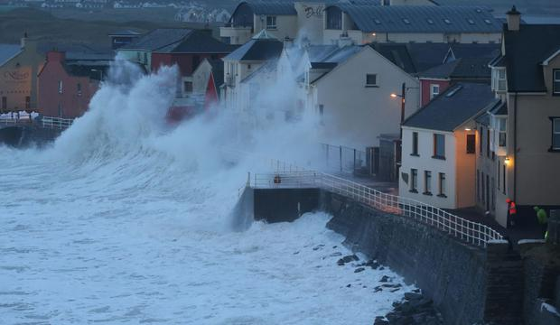 Drivers warned to slow down as Storm Erik hits Donegal