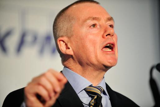 IAG boss Willie Walsh says new aircraft could be attractive for the position of Dublin as a transatlantic hub