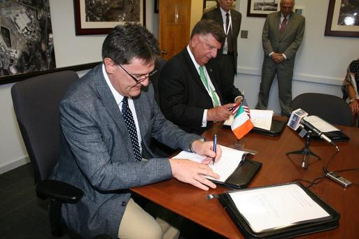 Joe Gilmore, managing director, Ireland West Airport and Ed Harrison, general manager, Stewart International Airport sign the link-up deal