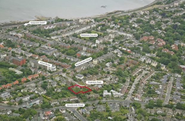 The site is located just 1km from Blackrock village