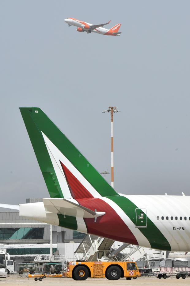 Italy is keen to find a buyer for troubled Alitalia, which has around 12,000 staff, that won't result in large cuts to the current headcount at the airline – Lufthansa's bid was for only half the workforce