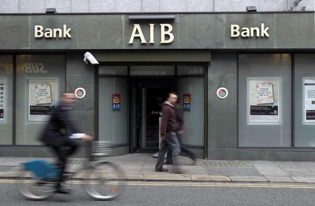US private equity group Cerberus has swooped on €1.1bn worth of soured loans from AIB, with the bank getting €800m of it