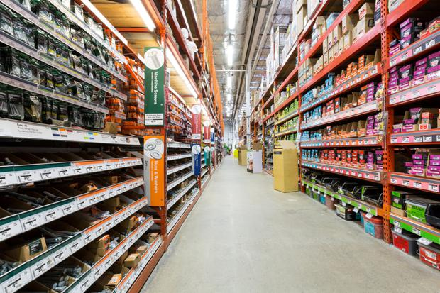 The continuing shortage in the supply of new homes in the US has proven to be a boon for major DIY retailers such as Home Depot