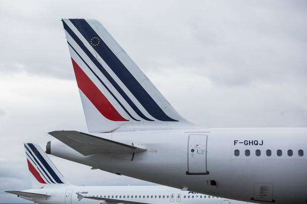 'Child stowaway' found dead in plane's undercarriage in Paris
