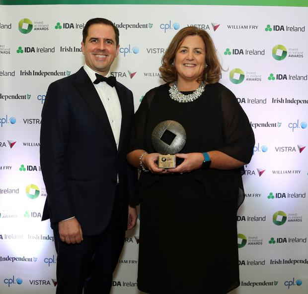 IDA Ireland CEO Martin Shanahan is pictured presenting the award to Catherine at a gala dinner at the Intercontinental Hotel in Dublin