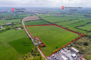 The site is strategically located within minutes of all main road arteries including the M3 and N2 and is just 4km from Navan town