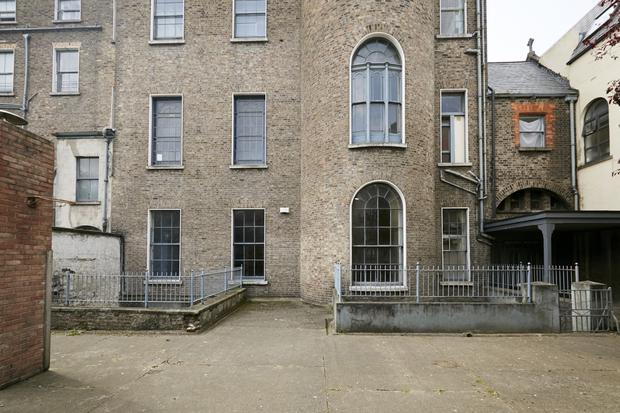 Listed structure: 41 to 43 North Great George's Street in Dublin