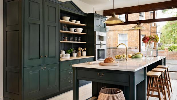 A handcrafted Teddy Edward's kitchen