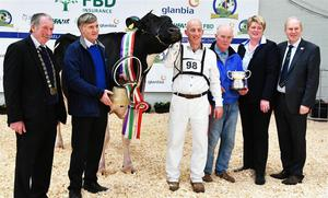 Run of success: Cyril and John Dowling with Baldonnel FM Sunshine EX90, crowned Supreme Champion, and the Glanbia Exhibitor Bred Champion, at Emerald Expo 2019, with Peter Kenneally (IHFA), Peter Ging (IHFA), Helen Herd (judge) and Charles Gallagher (IHFA)