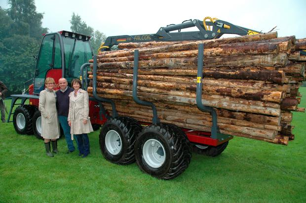 Mairead Mc Guinness with Darragh and Marcia Hand of Falcon engineering, Dromone, Co Westmeath at the launch of the Falcon mini-forwarder last week