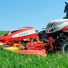 Pottinger's Alpha Motion Pro disc mower headstock allows the entire carrier frame to adapt to ground contours.