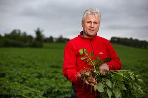 Growing and storing: Ivan Curran at Broadleas Farm, Stamullen, Co Meath, and below, with wife Frances. Photo by Mark Condren