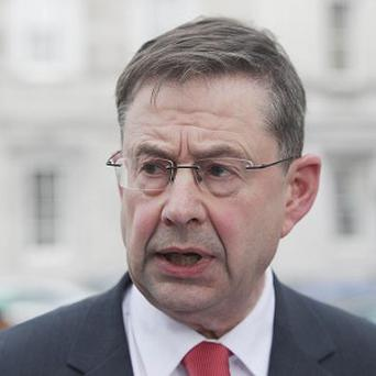 Eamon O Cuiv says a limit on the maximum payment per hectare should be introduced
