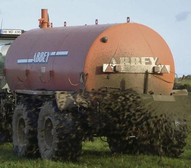 Regardless of whether you are using your own equipment or hiring someone in to do the job for you, a properly maintained tanker is essential for getting the optimum value from slurry