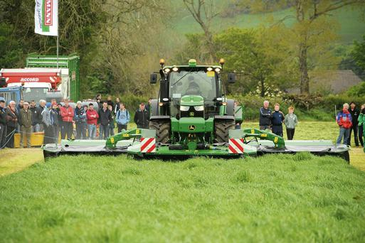Interest: The demonstrations are an integral part of the Grass and Muck event and there was pklenty of interest in this John Deere Front and Rear mounted mower conditioner, which is controlled by GMS and has a cut 6.5m roger jones