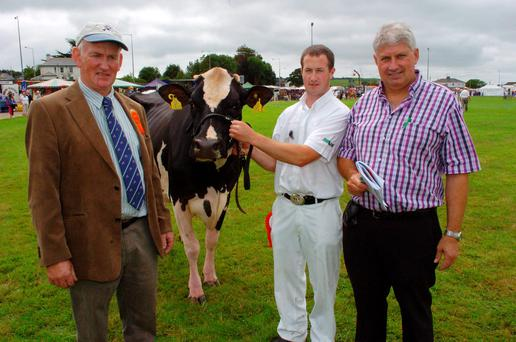 "Pictured at the Carbery Show recently is the winner of Class 54 - ""Cannontown Zeus Farrah"" with left to right - Noel Hennessy, Lismore, Co. Waterford (Judge), Diarmuid Murphy, Lissaniskey, Innishannon, Co. Cork (Owner), & Seamus O'Callaghan, Durapak Agri"