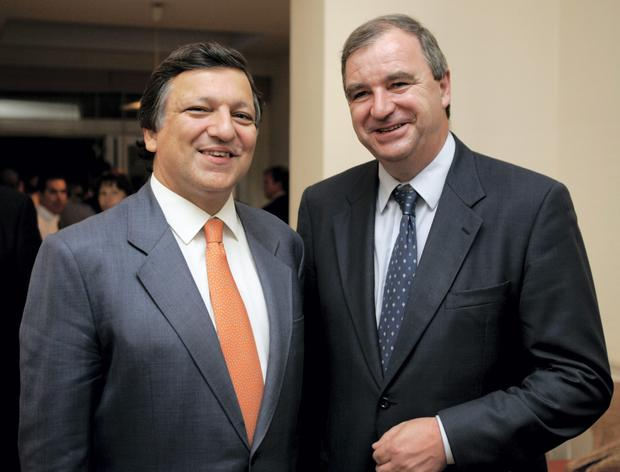 The IFA's European Director Michael Treacy (right) with José Manuel Barroso, the former European Commission president