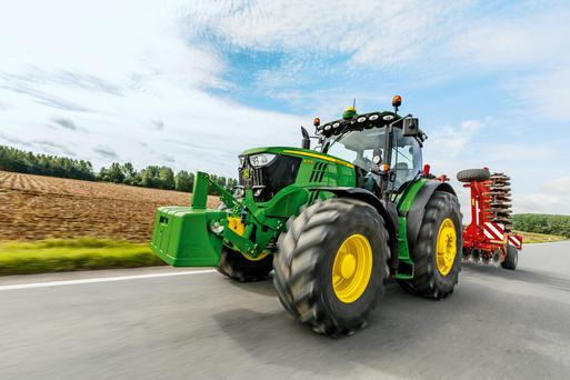 John Deere's new six cyliner tractors have an extended service interval of 750 hours.