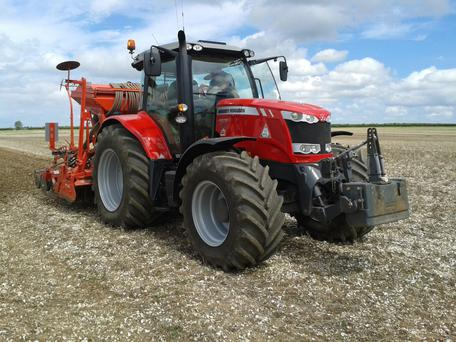 A new trial has demonstrated that Michelin's innovative Ultraflex Technology tyres can save farmers fuel