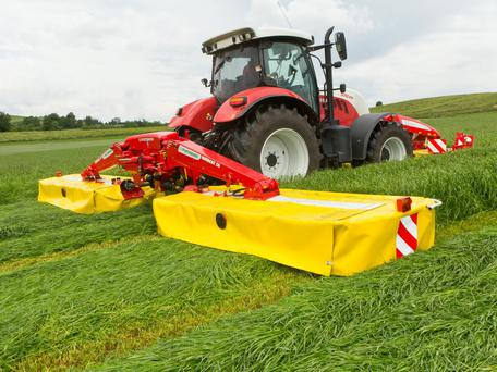 Spec: The new Pöttinger Novacat S10 has a working width of 9.52m and has a modest power requirement of 130hp