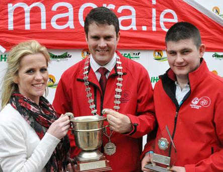 Mags Kelleher, Mitchelstown winner of the Macra na Feirme Senior Stockjudging, and Paul Murphy, Banteer winner of the Under 23 years Macra na Feirme Stockjudging with Sean Finnan, National President Macra na Feirme.