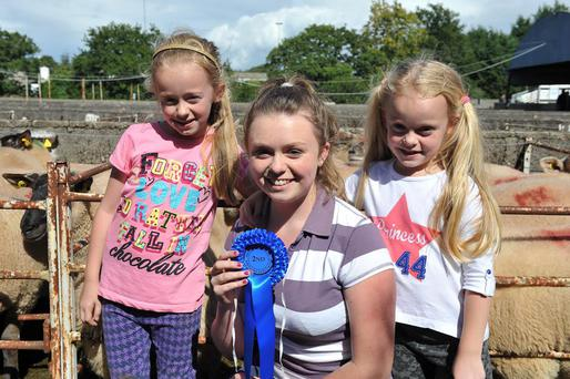 Sisters Kate, Bridin and Roisin Dwyer from Keltealy at the recent Bagenalstown Ewe Breeders Show & Sale in Borris Mart. Photo by Roger Jones.