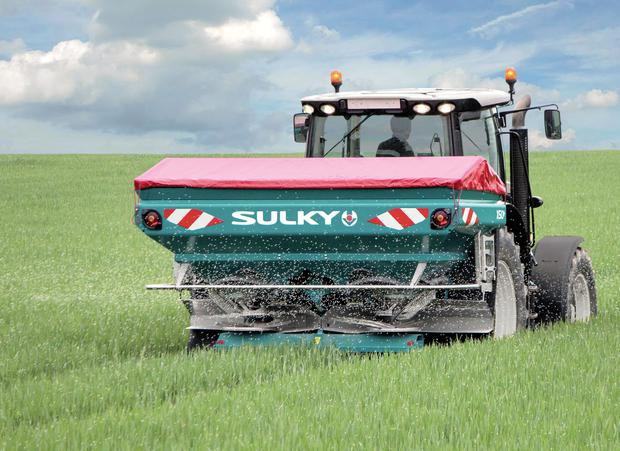 The average dairy farmer can expect to pay between €4,500 and €7,500 including VAT for a good fertiliser spreader