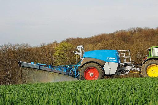 Lemken Vega trailed sprayer