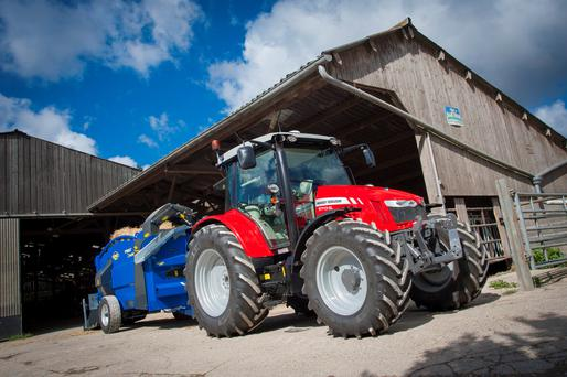 The new Massey Ferguson 5700 series is a four model range spanning the 110-130hp bracket.
