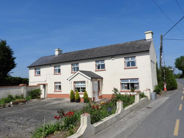 Traditional style farmhouse and 44ac on the market at Ballyouskill, Co Kilkenny
