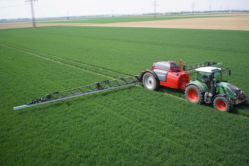 Horsch's new Leeb sprayer in action.