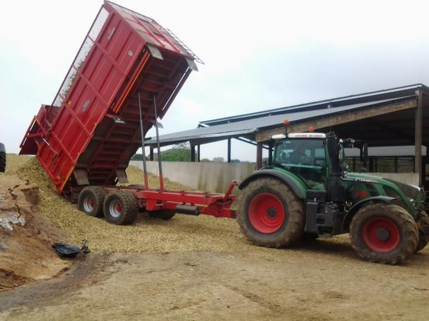 A fleet of Broughan and Redrock trailers ensure the loader operator is not idle