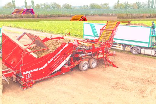 Grimme's new field loader in action