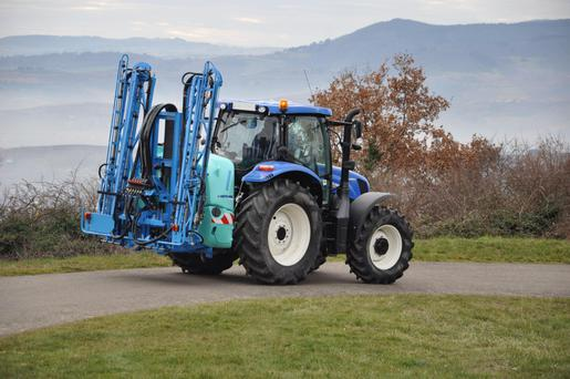 The new Hermes mounted sprayer by Berthoud.