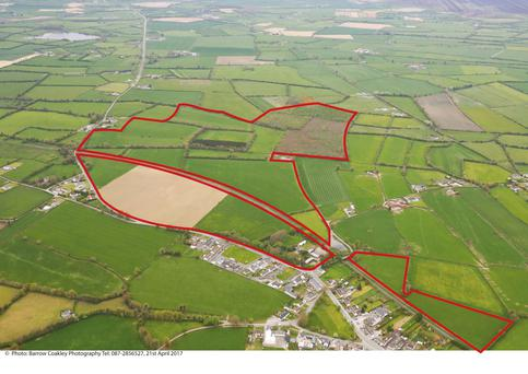 The 171ac farm is located near Cloneygowan on the Offaly border close to Portarlington