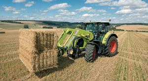 The dynamic steering system makes handling easier during steering-intensive work such as when using the front loader