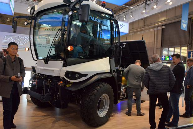 German firm Sensor-Technik Wiedemann GmbH (STW) unveiled a specially-adapted, electric-powered tractor at the Agritechnica show