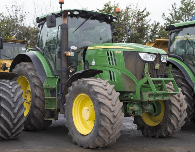 2014-registered John Deere 6190R 4WD tractor c/w loader brackets and 5722 hours on the clock